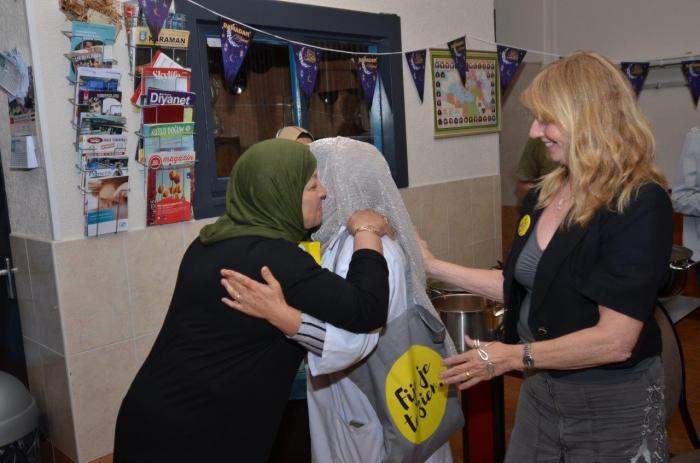 Fijnjetezien op visite bij Turkse vereniging  Eyüp Sultan Moskee Hellevoetsluis
